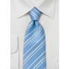 Flot lyseblåt silkeslips med hvide striber