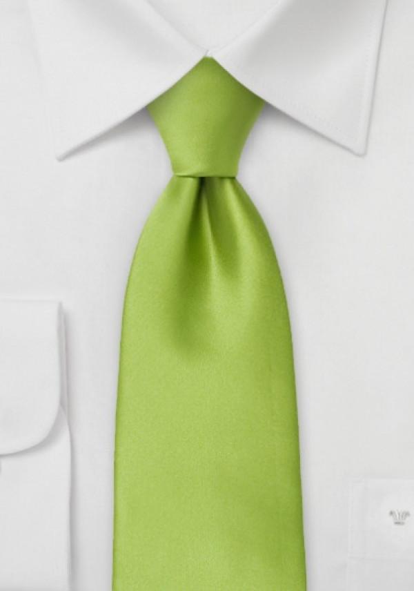 Flot grønt slips og hvid skjorte