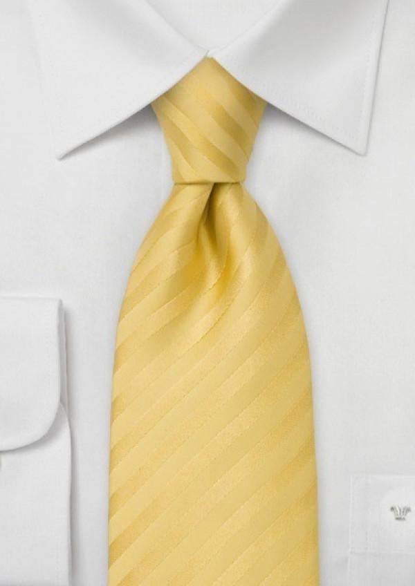 Gult silkeslips med striber